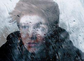 "Model David-Simes in Play ""Storm"""